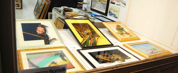 Francesco Borrelli e le sue opere su vetro al Melograno Art Gallery – da sabato 12 dicembre